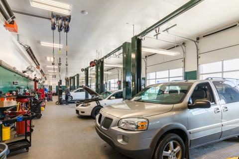 Cascade Auto Repair >> About Our Grand Rapids Auto Shop Christian Brothers Automotive